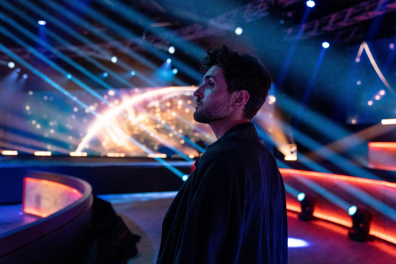 Duncan Laurence checking out the studio at Eurovision: Europe Shine A Light